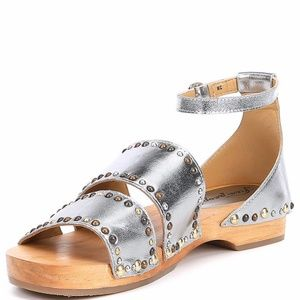 NEW FREE PEOPLE North Shore Sandal Silver SZ-11